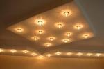 оформление потолка с подсветкой