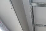отделка углов на потолке