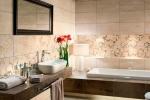 вариант дизайна плитки в ванной