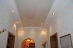 дизайн потолка с освещением