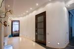 светлый интерьер помещения