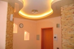 неоновая подсветка в коридоре