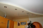 оформление потолока в спальне