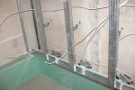 прокладка проводов в стенке