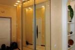 двери с зеркалами