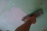 процесс шпаклевки гипсокартона