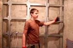 процесс отделки фальш стены