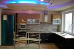 неоновая подсветка на кухне