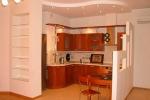 ниша с полками на кухне