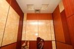 бордовая отделка комнаты