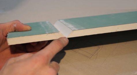 разрезанный листа гипсокартона фрезой