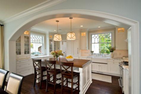 большая гипсокартонная арка на кухне