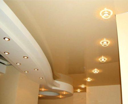 освещение потолок прихожая
