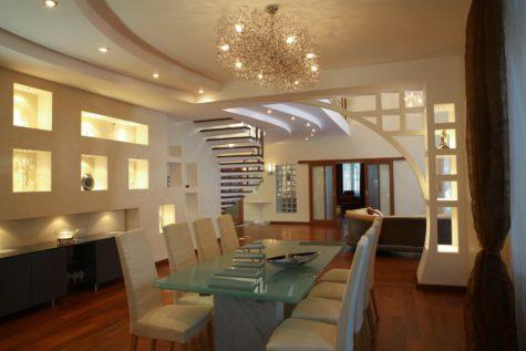 оформленная кухня из гипсокартона в доме