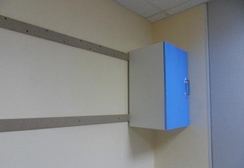 навесной шкаф на гиспокартоне