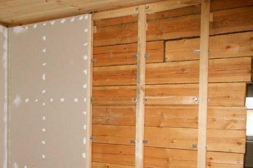 Гипсокартонные листы в деревянном доме крепятся не только на металлический каркас
