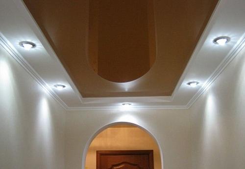 Гипсокартонный короб и натяжной потолок