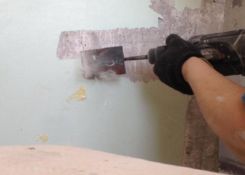 очистка стен от старых материалов