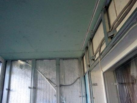 потолок лоджия