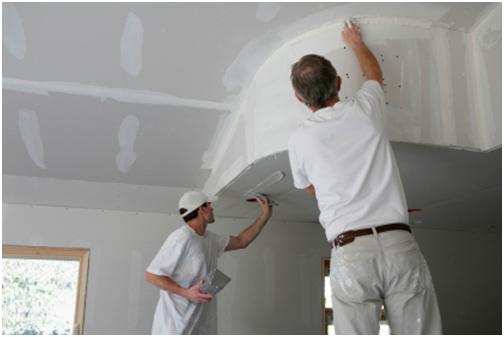 На собранном потолке следует сделать финишные работы, включая армирование стыков