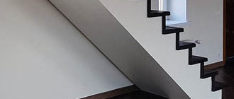 Процесс монтажа гипсокартонной лестницы