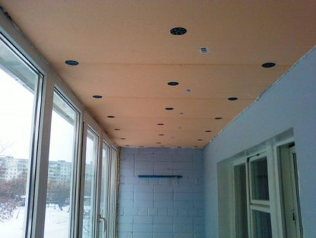 подготовленный потолок к монтажу