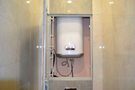 смонтированный водонагреватель