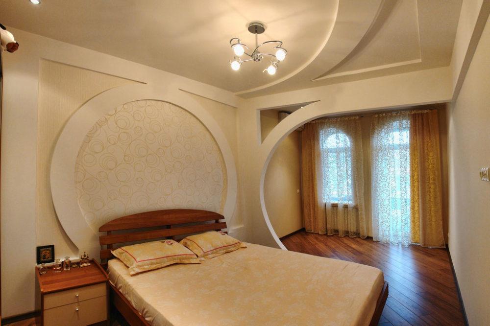 арка в спальне