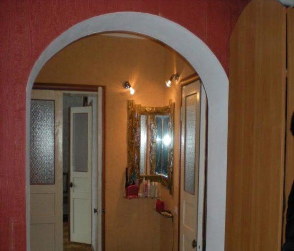 арка в зале