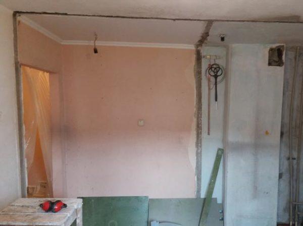 частичный демонтаж стены