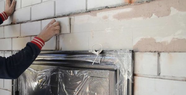 отделка стен кирпичом