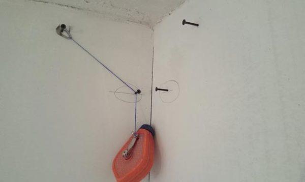отметки на стене